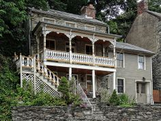Vintage Home located in the historic town of Harper's Ferry, West Virginia ◆ USA