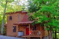 Pigeon Forge, TN: Gatlinburg chalet and cabin rentals: Dream Catcher 970 is a 2 bedroom 2 bath log cabin located in a quiet, private setting in the Sky Harbor area, bet...