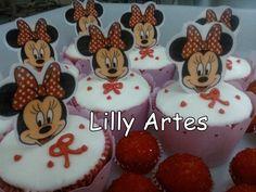Cupcake com tag comestível