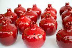 Pomegranate wedding favor and gift, ceramic secret box pomegranate, pomegranate, ceramic pomegranat Wedding Gift Messages, Diy Wedding Gifts, Best Wedding Favors, Wedding Ideas, Pomegranate Wedding, Armenian Wedding, Secret Box, Ceramics, Pomegranates