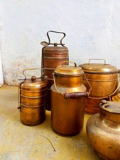 Antique brass carry along travel companions..Brass vessels with carry provision intended for take away during travel . . . . Now on Sale Kindly DM for price and details Shipping all over India . . . For similar collectibles visit our fb shop *link in bio . . . #indiantiquest #antiqueshop #collectibles #brass #copper #bronze #vintage #antique #classic #historic #wooddecor #indian #interiordecor #homedecor #antiquedecor #artdeco #curio #cultural #handicrafts #nostalgia #kitchenvessels…