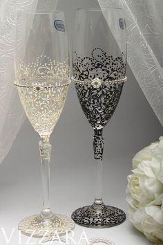 Black White Wedding Ideas Bride Groom Flute Toasting Glasses Gold Flutes Set