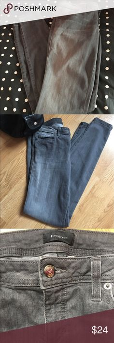 """Bebe skinny leg jeans Gray stretchy skinny leg jeans. Very good condition! Size 29 with a 31"""" inseam and 5"""" leg opening. Cool fading down legs 😎 bebe Jeans Skinny"""