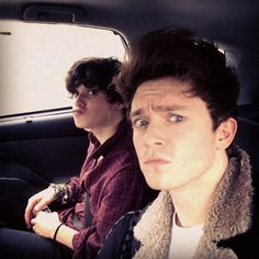   THE VAMPS CONNOR BALL FLYS HOME FOR KNEE SURGERY   http://www.boybands.co.uk