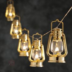 Varmhvit lysende LED-lyslenke med stormlanterner <3