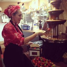 Did you also know we have our chocolate fountain up for chocolate dipped strawberries?!!! #valentinesday #chocolate #chocolatefountain #strawberries #chocolatier #tyedie #deliciousFollow