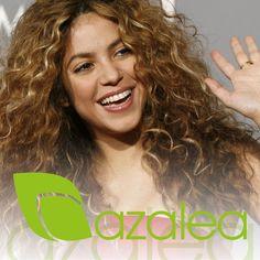 Adoramos el cabello rizado 😍 ¡Descúbrelo todo sobre el cabello curly hoy en el blog!  #AzaleaCosmetics #Tendencias #Melena #HairCare #Hairstyle #Celebrity #Cabello #Look #Peinados #Rizos #Liso #Rizado