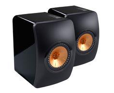 KEF mini monitor speaker is designed to bring professional studio monitor concept into the home. Desktop Speakers, Monitor Speakers, Bookshelf Speakers, Bookshelves, Home Theater Setup, Best Home Theater, Home Theater Speakers, Computer Audiophile, Hifi Audio