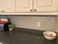 Great way to spruce up your backsplash. Kitchen Backsplash, Kitchen Cabinets, Paintable Wallpaper, Step By Step Painting, Metallic Paint, Fun Crafts, Tile Floor, Craft Projects, Easy