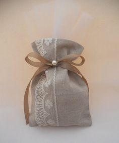 Items similar to Wedding bombonieres, wedding favors on Etsy Lavender Bags, Lavender Sachets, Rustic Wedding Favors, Wedding Favor Bags, Burlap Gift Bags, Decoration Originale, Pearl Design, Wedding Linens, Burlap Crafts