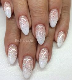 32 Best Wedding Nail Art Design Ideas Weddings are important for all women because they are the new beginning of their lives. Whether you're planning a wedding soon or just dreaming, wedding nails should be on your list. If you need more ideas for your go Bride Nails, Prom Nails, Cute Nails, Pretty Nails, Hair And Nails, My Nails, Nail Design Glitter, Sparkle Nail Designs, Nagel Blog