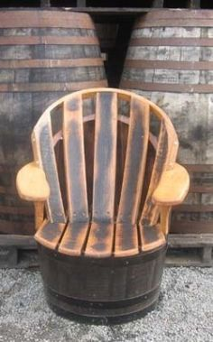 An average oak barrel has an average life expectancy of about 5 to 10 years. After that period of time, the oak wine barrel has little beneficial. Wine Barrel Chairs, Whiskey Barrel Furniture, Wine Barrels, Barrel Projects, Wood Projects, Barris, Wooden Folding Chairs, Pallet House, Diy Décoration