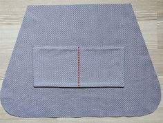 This post is part of the series 10 Tips for Better Handmade Bags A bag without pockets is a bad idea. Unless it is just a grocery bag, every bag deserves at least one pocket. Inside pockets are someth