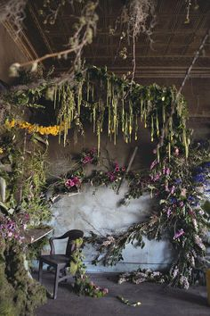 It took florists 48 hours and 4,000 #flowers to turn this abandoned Detroit house into a wildly beautiful wonderland.  #installation #art