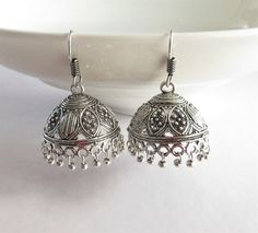 Jewelry Meaning Definition above Jewellery Stores Nearby versus Online Jewellery Reseller via Jewellery Gifts Bridal Earrings, Bridal Jewelry, Jewelry Gifts, Silver Accessories, Fashion Accessories, Fashion Jewelry, Antique Jewelry, Silver Jewelry, Jewlery
