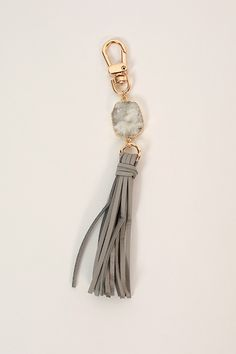 Isla Tassel Keychain in Grey Diy Jewelry, Jewelery, Jewelry Design, Jewelry Making, Diy Tassel, Tassels, Leather Accessories, Car Accessories, Tassel Keychain