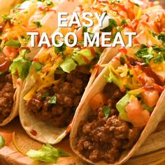 ground beef tacos Want to make tacos? This quick and easy recipe results in the best Taco Meat using ground beef and a simple blend of seasonings for a homemade taco seasoning. Best Taco Meat Recipe, Easy Soft Taco Recipe, Recipe For Tacos, Ground Beef Taco Seasoning, Mexican Food Recipes, Beef Recipes, Dinner Recipes, Pasta Recipes