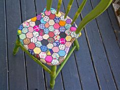 A fun video tutorial, how to decoupage a chair to look like a quilt. I used scrapbook paper and Mod Podge to create my faux quilt design. I painted the chair wi…