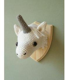 Crochet mounted unicorn head faux taxidermy by CreepyandCute (Not a pattern, an eerily cute idea) Crochet Taxidermy, Faux Taxidermy, Crochet Mermaid, Crochet Unicorn, Cute Crochet, Crochet Toys, Unicorn Head, Magical Unicorn, Unicorn Wall