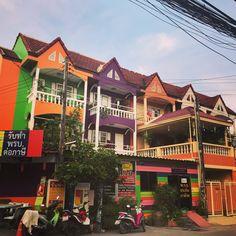 Colorful house in Pattaya Thailand. #travel #travelblogger #travelphotography #travels #travelamazing #globetrotter #travelblog #darlingescapes #letsgoeverywhere #bucketlist #globelletravels #2feelalive #wanderlust #wonderfulplaces # beautfifuldestinations #travelinspiration #happy #day #followme #instapic #photography #picoftheday #picsart #beauty #life #instagood #beautiful #art #style #amazing #pretty #lifestyle Bangkok Thailand, Pattaya Thailand, Thailand Travel, Wonderful Places, House Colors, Picsart, Insta Pic, Travel Inspiration, Travel Photography