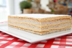 Le Russe de Mercotte ( to my friends this is a very old cake here in France) Köstliche Desserts, Delicious Desserts, Dessert Recipes, Layered Deserts, Cake & Co, Sweets Cake, Brownie Cake, 20 Min, Pavlova