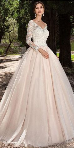 Amazing Tulle Off-the-shoulder Neckline A-line Wedding Dress With Lace Appliques