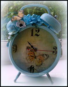 Tim Holtz Assemblage clock - altered