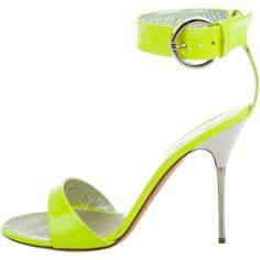Pre-owned Giuseppe Zanotti Patent Leather Ankle Strap Sandals (12.630 RUB) ❤ liked on Polyvore featuring shoes, sandals, green, patent leather shoes, neon green sandals, giuseppe zanotti, patent shoes and ankle wrap sandals