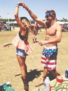 fourth of july parties || pinned already but im doin it again cause i cant get over her outfit
