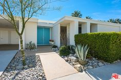 Snag this renovated 1960s Palm Springs home with pool for under $1M - Curbedclockmenumore-arrow : The William Krisel design is listed for $925,000