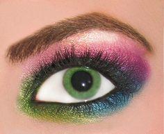 No one says eyeshadow, better than MAC!
