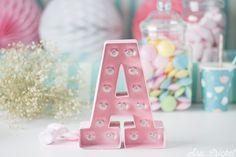 letras luminosas DIY de cartón. Ideales para decorar la casa o fiestas. Se pueden personalizar, pintar o decorar con decoupage etc..