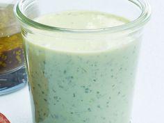Avocadosalatsauce ist ein Rezept mit frischen Zutaten aus der Kategorie Dressing. Probieren Sie dieses und weitere Rezepte von EAT SMARTER!