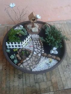 Fairy Garden in one of the fun ways of decorating gardens by using broken pots wood pieces planters soil and other wrecked items. It creates a miniature fantasy garden with the help of unusable items. Amazing Fairy Garden Ideas One Should Know Mini Fairy Garden, Fairy Garden Houses, Veg Garden, Garden Path, Easy Garden, Garden Crafts, Garden Projects, Garden Tips, Deco Floral