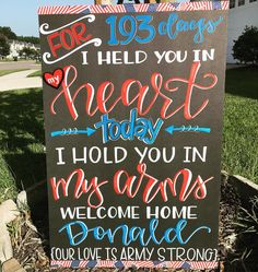 Military Homecoming Signs, Homecoming Posters, Military Signs, Military Love, Homecoming Dresses, Military Crafts, Welcome Home Signs For Military, Welcome Home Soldier, Welcome Home Posters