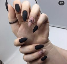Semi-permanent varnish, false nails, patches: which manicure to choose? - My Nails Grunge Nails, Edgy Nails, Chic Nails, Neon Nails, Stylish Nails, Matte Nails, Trendy Nails, Swag Nails, Black Acrylic Nails
