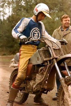 Free² Enduro Vintage, Vintage Motocross, Vintage Bikes, Vintage Motorcycles, Vintage Racing, Enduro Motocross, Motocross Racing, Bike Rider, Old Bikes