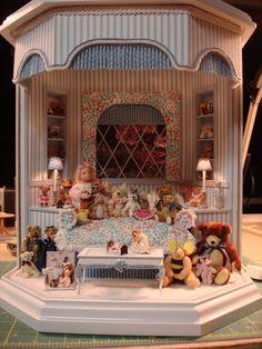 little girls room-neat room box idea Vitrine Miniature, Miniature Rooms, Minis, Bear Shop, Mini Doll House, Victorian Dolls, Little Girl Rooms, Miniture Things, Classic Toys