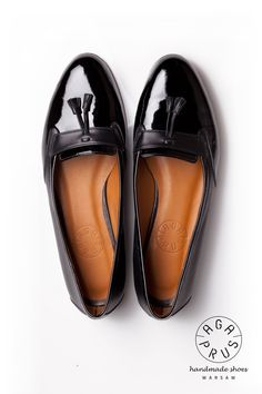 black Loafers by Aga Prus. Shoes Sandals, Dress Shoes, Vogue, Black Loafers, Tory Burch Flats, Aga, Platform Shoes, Shoe Collection, Fashion Watches