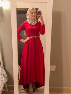 Hijab Dress Party, Hijab Style Dress, Hijab Outfit, Prom Night Dress, Dinner Gowns, Muslim Fashion, Hijab Fashion, Modest Fashion, Modern Hijab