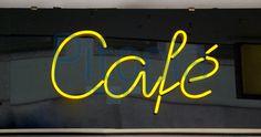 Neon sign cafe (dorapics)  - lizenzfrei (royalty free)