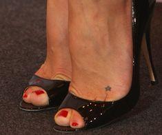 jennifer aniston foot tattoo | foot Jennifer Aniston Foot Tattoo & 36 Other Celebrity Feet Tattoos ...