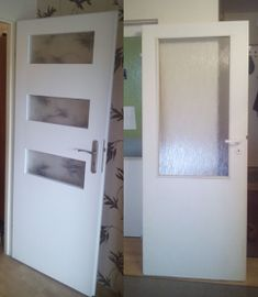new doors from old Ze starych drzwi nowe Home Staging, Bathroom Medicine Cabinet, Diy And Crafts, Sweet Home, House, Home Decor, Furniture, Projects, Decoration Home