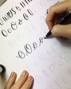 """I renamed this one """"50 Ways to Draw A Fancy Circle"""" because I was pulling my hair out the entire time!! O's are soooo pretty, but they require a steady hand, which can be tricky... especially for me, the shakiest hand west of the Alleghenies (my fellow country folk will understand that one ). But 50 Ways to Letter """"O"""" is now up on my website > link in bio > scroll down and click the HUGE image and or text :) • as always, I'm using the @tombowusa Fudenosuke Soft Nib!"""