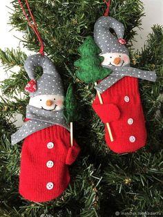 Купить Снеговики-варежки . Подарок на Новый год. Упаковка подарка в интернет магазине на Ярмарке Мастеров