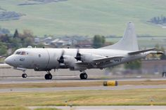 https://flic.kr/p/Ucqxup | US Navy Lockheed P-3C Orion 161407 | Eagle 99 touch-and-go at the Rogue Valley International–Medford Airport.