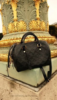 Style - essential details - LV