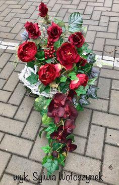 Altar, Funeral, Christmas Wreaths, Holiday Decor, Home Decor, Flowers, All Saints Day, Christmas Swags, Homemade Home Decor