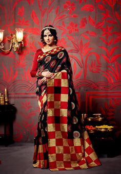 Red and Black color printed saree #WomenClothing #PrintedSaree #Colorfulsaree #Sareeforwomen #WeddingSaree #EthnicWear