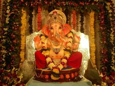 श्री गणेश उत्सव, गणेश चतुर्थी, Ganesh Chaturthi, Ganesh Uttsav in hindi Ganesh Chaturthi Decoration, Happy Ganesh Chaturthi, Flower Decoration For Ganpati, Flower Decorations, Diwali Decorations, Shri Ganesh, Lord Ganesha, Black Phone Wallpaper, Hd Wallpaper